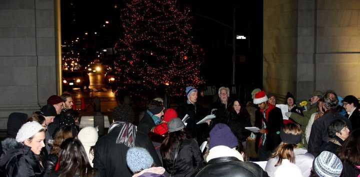 West Village Chorale's Caroling Walk