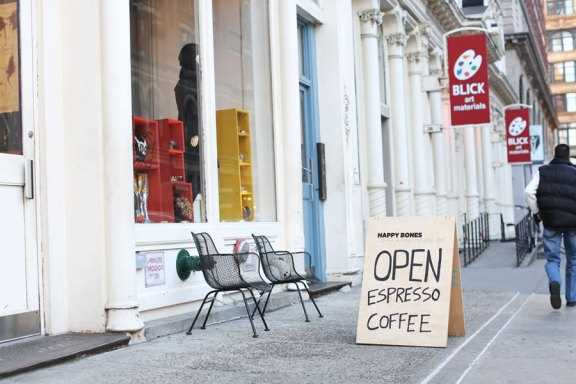 Boire un bon café à New York dans un endroit caché