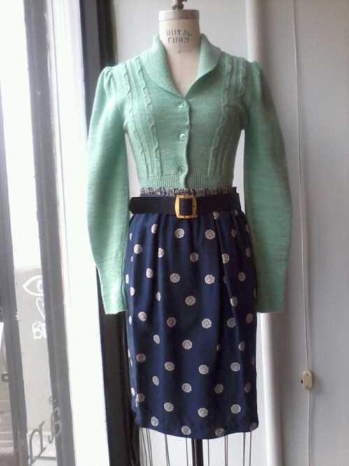 Gilet vintage $45, jupe $50, ceinture $18