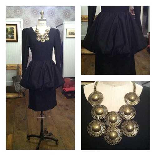 Robe vintage, $100 - collier $68