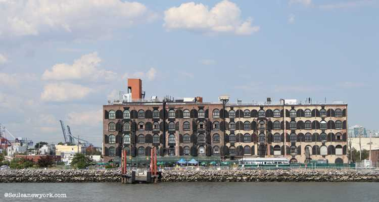 Red Hook en Water Taxi