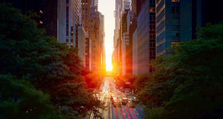 Manhattanhenge le plus beau coucher de soleil de new york - Coucher du soleil new york ...