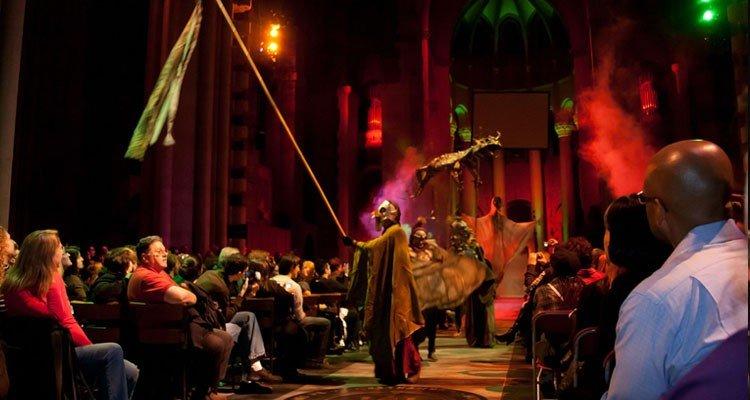 film d'horreur dans la cathédrale St. John the Divine de Harlem